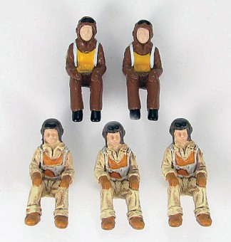 World War II . 1/48 Scale Pilot Figures 5 Pilots   1:48 Scale