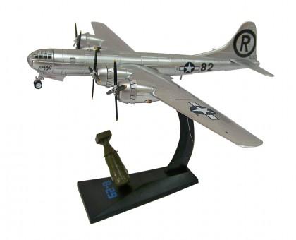 "B-29 Superfortress ""Enola Gay""  AF1-0112  1945 Air Force 1 Scale 1:144"