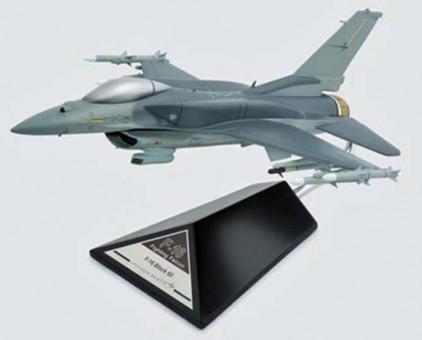 F-16C FALCON 1/40 BLOCK 60 (CF01660TR) B11740F3P Scale 1:40