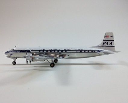 Pan American World Airways Douglas DC-6B HE555210 Scale 1:200