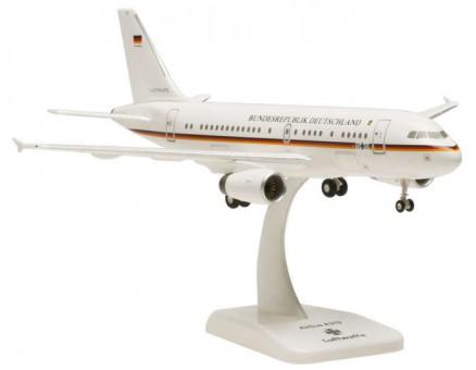 """HGLW01 Luftwaffe A319 """"Bundesrepublik Deutschland""""  15-01"""