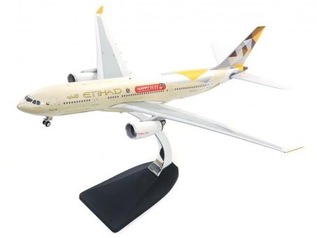 Etihad Airways A330-200 TMALL Reg. A6-EYH W/Stand Phoenix 100056B Scale 1:200
