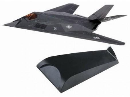 DRW51051 DRAGON WARBIRDS 1:144 LOCKHEED F-117A NIGHTHAWK US AIR FORCE 37TFW, NOVEMBER 1988