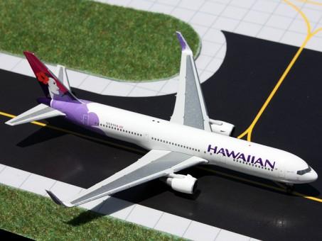 """Rare! Hawaiian B767-300(W)  N581HA """"Manu O Ku"""" 1:400"""