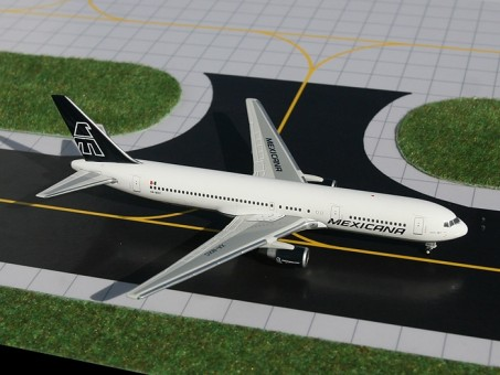 Sale! Mexicana 767-300  Registration XA-MXC GJMXA806 scale 1:400