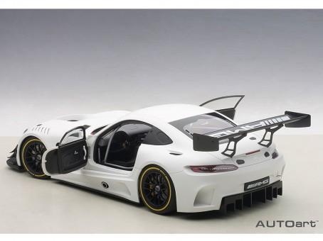 White Mercedes AMG GT3 2015 White Composite AUTOart 81531 Scale 1:18