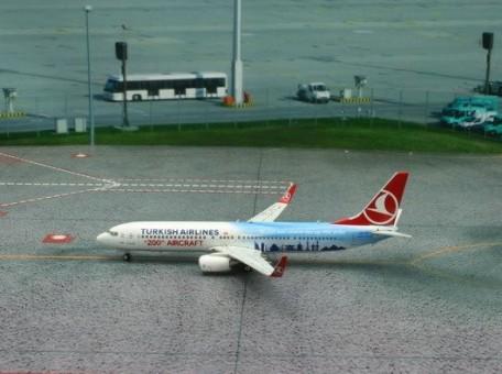 Turkish Airlines B737-900 200 Aircraft Reg# TC-JYI Phoenix 11169 Scale 1:400