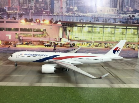 Malaysia Airlines Airbus A350-900 9M-MAB Phoenix Model 20172 Diecast 1:200