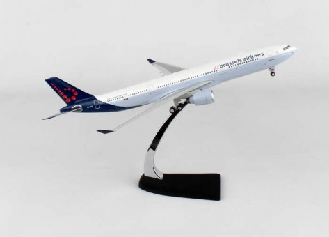 Brussels Airlines Airbus A330-300 Reg#OO-SFW  Phoenix Models 20138A 1:200
