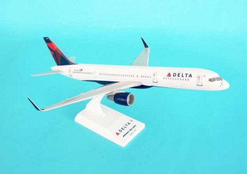 Delta 757-200 New Livery N704X SKR545 Scale 1:150