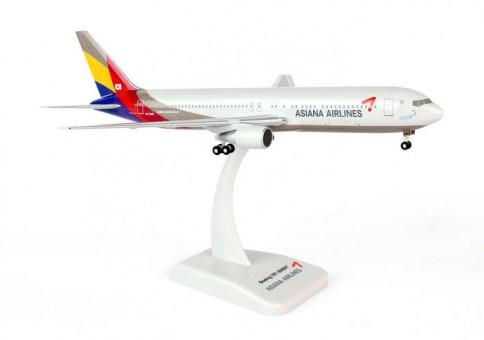 Hogan Asiana Boeing 767-300ER W/Gear Hogan HL7248 Scale 1:200
