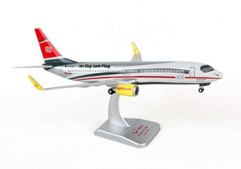 Tulfly 737-800 White head Reg# D-ATUC Hogan HGTF01 1:200