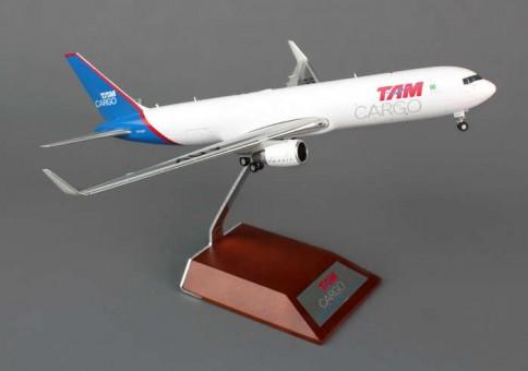 JC2TAM718 1-200 TAM Cargo B767-300ER With Stand
