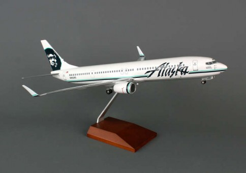 SKR8236 skymarks alaska 737 1:100 scale model