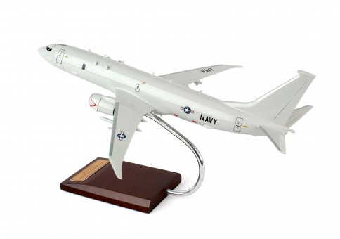 US Navy P-8A Poseidon (Boeing 737-800) by Executive Series crafted model C10210 scale 1:100