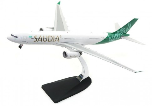 Saudi Arabian Airbus A330-300 Reg# HZ-AQE Phoenix 20154 Die-Cast Scale 1:200