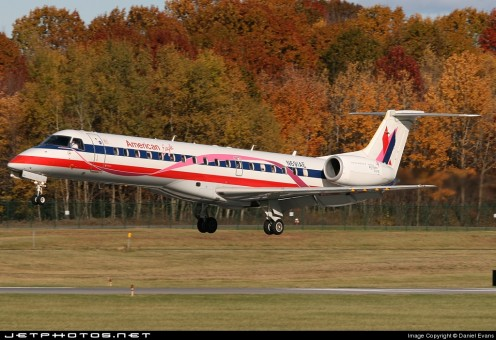 American Eagle ERJ-145 N691AE Pink Ribbon JC Wings JC2AAL156 scale 1:200
