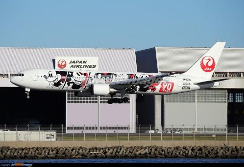 """JAL Boeing 767-300ER  """"Mickey 90 Years"""" JA602J JCWings EW4763002 scale 1:400"""