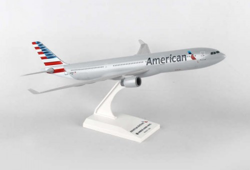 American Airlines Airbus A330-300 w/Stand Skymarks SKR872 Scale 1:200