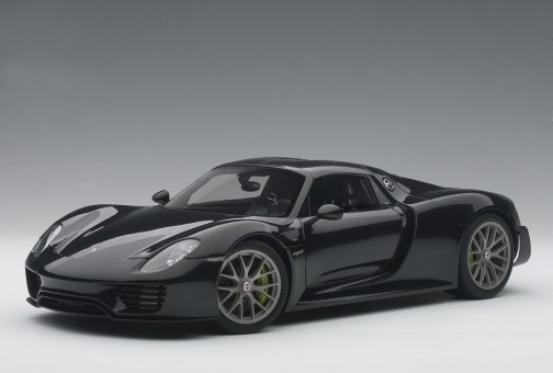 Black Porsche 918 Spyder Weissach Package AUTOart 77928 Scale 1:18