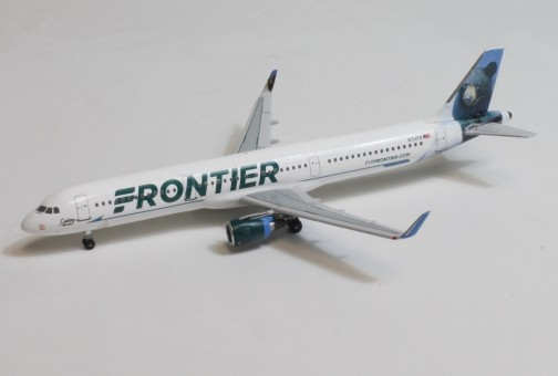Frontier Airbus A321W Cubby the Bear N714FR AeroClassics AC419980 scale 1:400