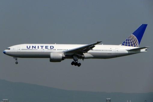Hogan United 777-200 1/200 W/Gear Post Co Merger Livery