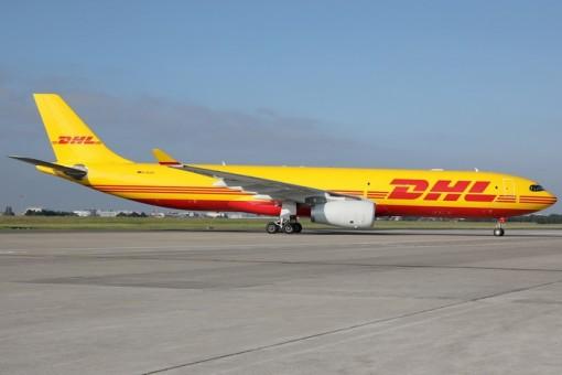 DHL Cargo Airbus A330-300 D-ACVG die-cast Phoenix 04409 scale 1:400