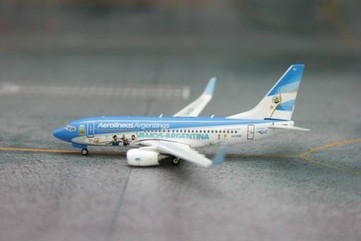 Aerolineas Argentinas FIFA B737-700W LV-CSI  Phoenix 1:400