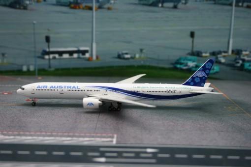 Air Austral Boeing B777-300ER F-OREU P