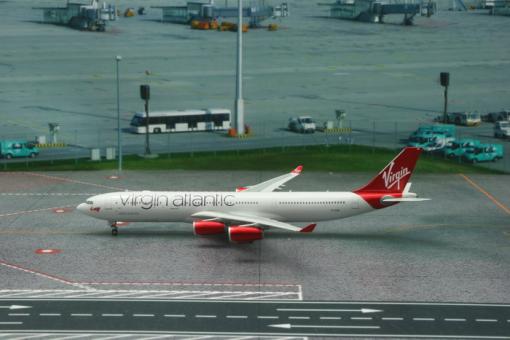 Virgin Atlantic Airways Airbus A340-300 Reg# G-VELD Phoenix Scale 1:200