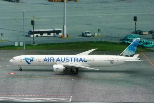 Air Austral Boeing 777-300ER F-OREU Phoenix Die-Cast 11256B Scale 1:400