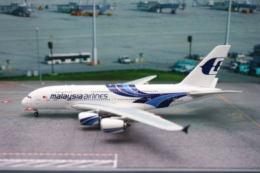 Malaysia Airlines A380 9M-MNA Phoenix Scale Models 1:200