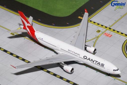 Qantas Airbus A330-300 Reg# VH-QPJ Gemini Jets GJQFA1625 Scale 1:400