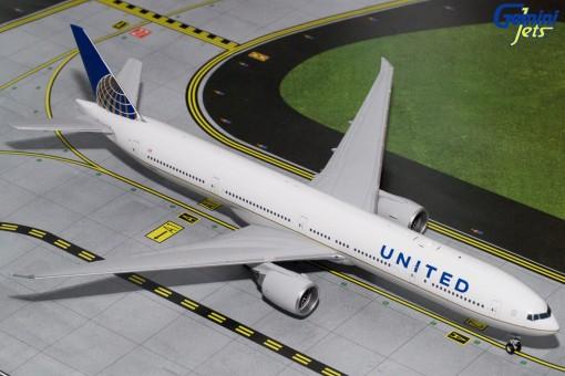 United Boeing 777-300ER Reg# N2331U Gemini 200 G2UAL643 Scale 1:200
