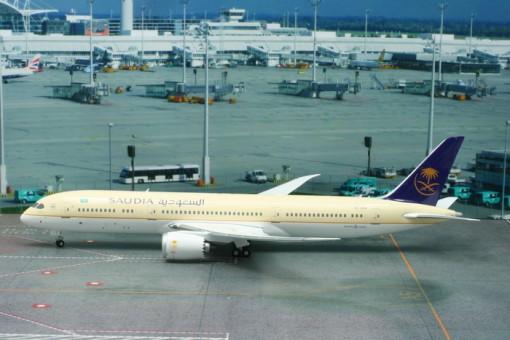Saudi Arabian Dreamliner 787-9 Registration HZ-ARA  Phoenix 20132 Scale 1:200