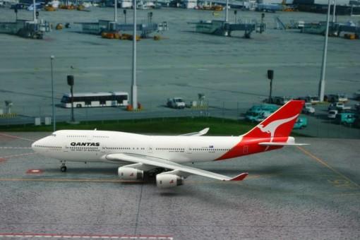 Qantas 747-400 Last Flight Reg# VH-OJA Phoenix 11109 scale 1:400