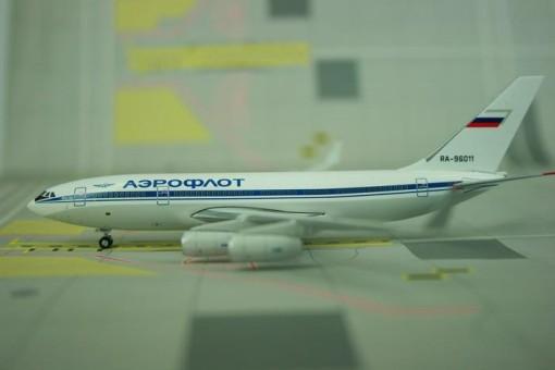 Aeroflot IL-96-300 RA-96011 Phoenix 10668 scale 1:400