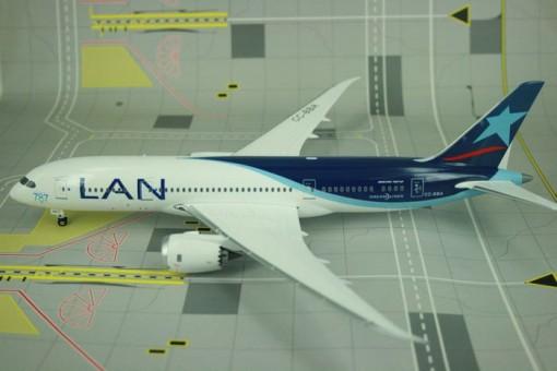 LAN Chile B787-8 CC-BBA Phoenix 1:200
