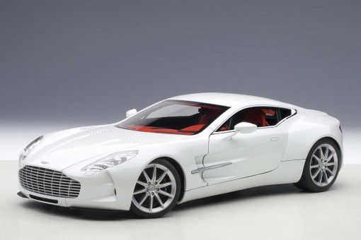 Aston Martin One-77, White Morning Frost 70244 AUTOart Die-Cast scale model 1:18