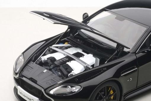 Black Aston Martin Vantage V12 S 2015 AUTOart 70253 Scale 1:18