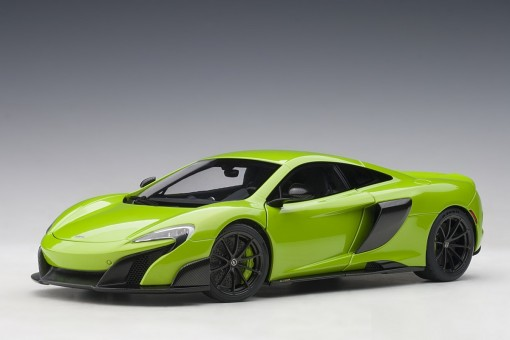 McLaren 675LT Napier Green die-cast AUTOart Model 76049 scale 1:18