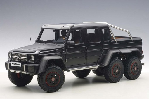 Black Mercedes Benz G63 AMG 6x6 AUTOart 76302 Scale 1:18