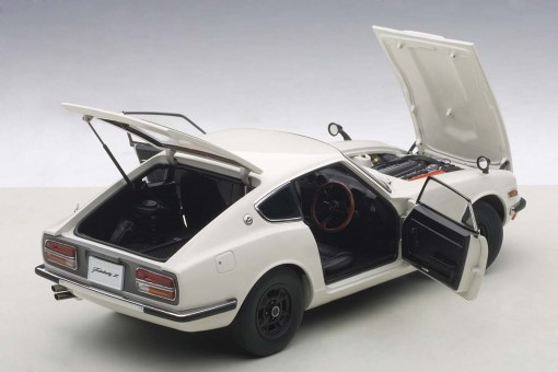 All doors and hoods open White Nissan Fairlady Z432 AUTOart 77438 Die-Cast Scale 1:18