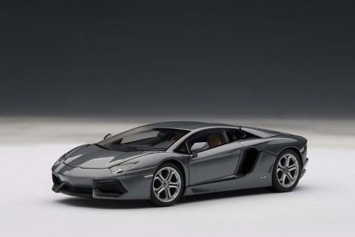 SALE! Lamborghini Aventador LP700-4 Grey AUTOArt scale 1:43
