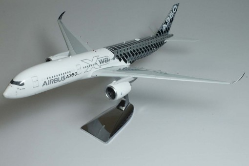 Phoenix Eagle die-cast Scale models Airbus House A350-900   Reg# F-WWCF  Item: EA100001 100001 Scale 1:200 Optional undercarriage In-Flight / Ground display