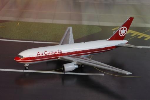 Air Canada Boeing B767-200 C-GAUS AC419446 AeroClassics scale 1400
