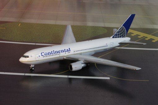 Continental Airlines Boeing B767-200 N76151  AC419435 AeroClassics scale 1400