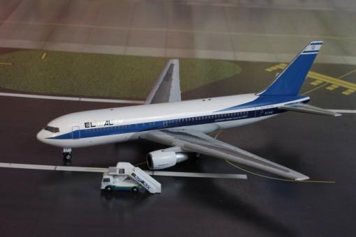 El Al Boeing B767-200 4X-EAC w Pax Stairs AC419440 AeroClassics scale 1400