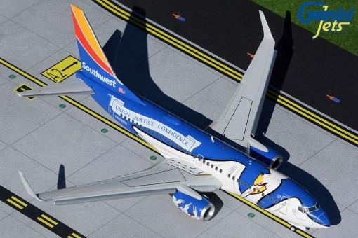 """Southwest Boeing 737-700 With Flaps Down N946WN """"Louisiana One"""" Gemini G2SWA926F Scale 1:200"""