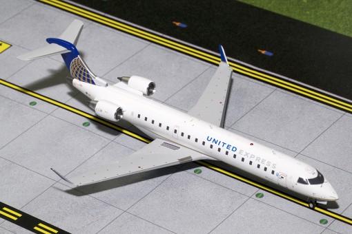 United Express Bombardier CRJ-700 N514MJ GeminiJets G2UAL402 Scale 1:200